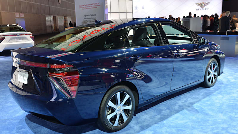 In first 10 days, 600 people say yes to buying Toyota Mirai